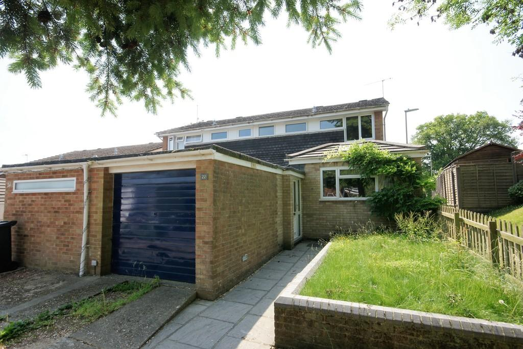 3 Bedrooms Semi Detached House for sale in Rookswood, ALTON, Hampshire