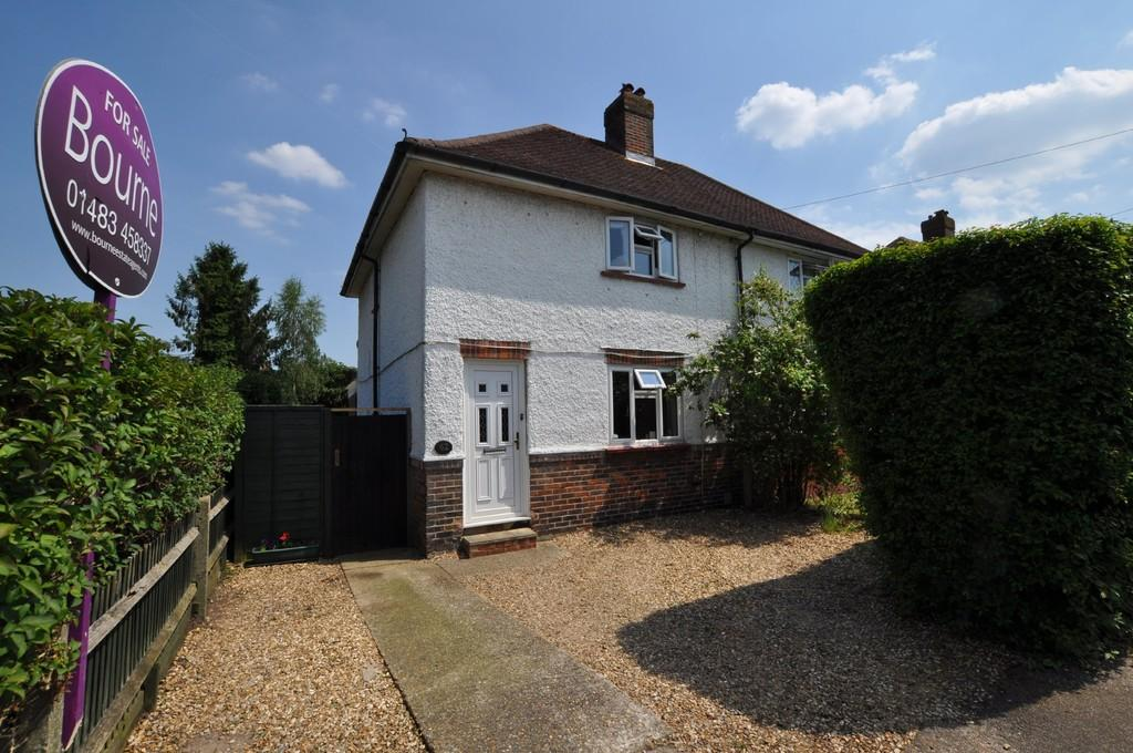 2 Bedrooms Semi Detached House for sale in Cypress Road, Guildford