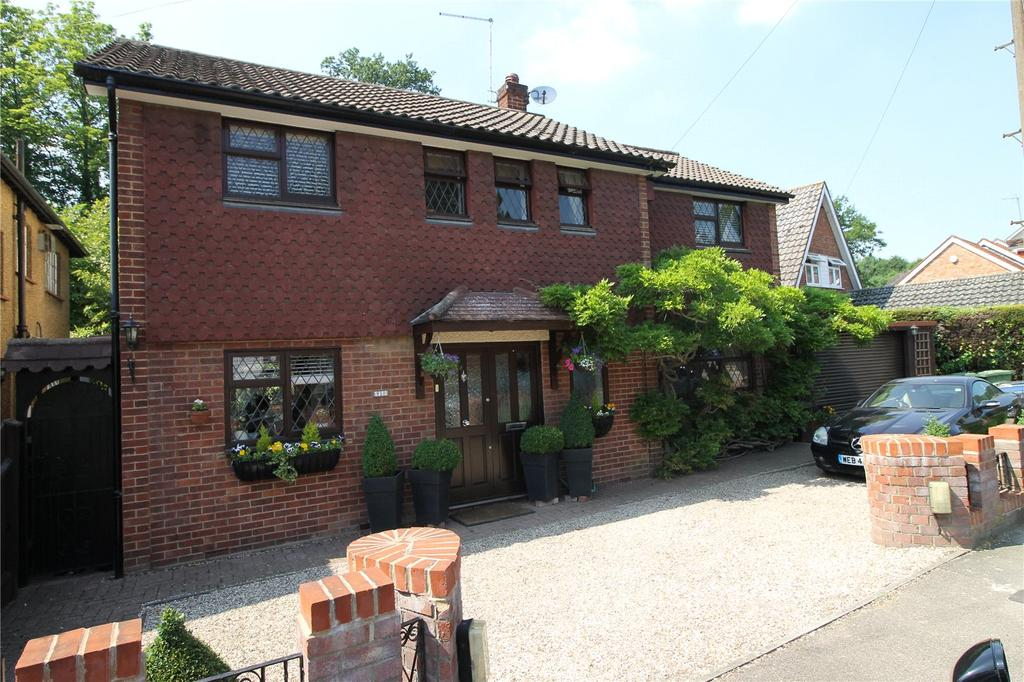 3 Bedrooms Detached House for sale in St. Charles Road, Brentwood, Essex, CM14