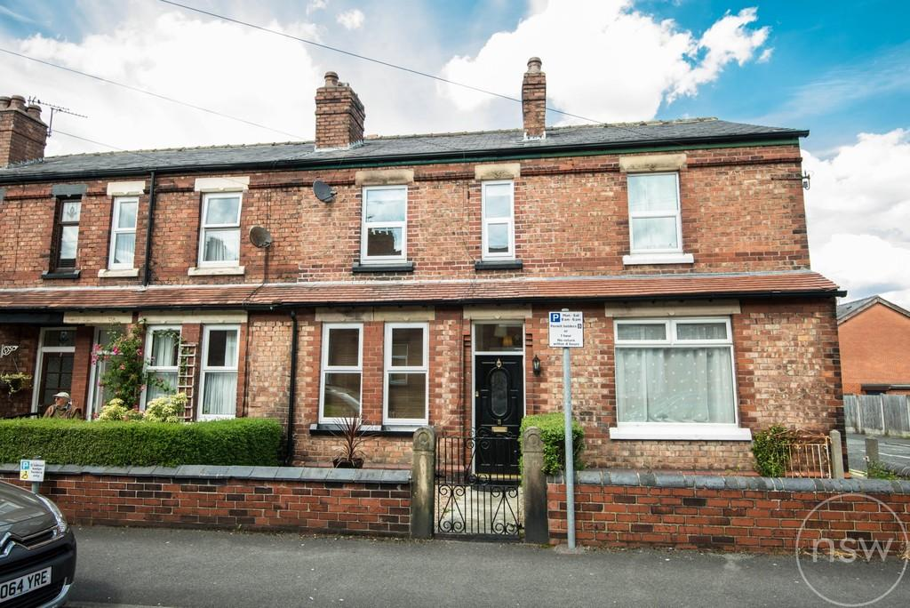 2 Bedrooms Terraced House for sale in Station Road , Ormskirk