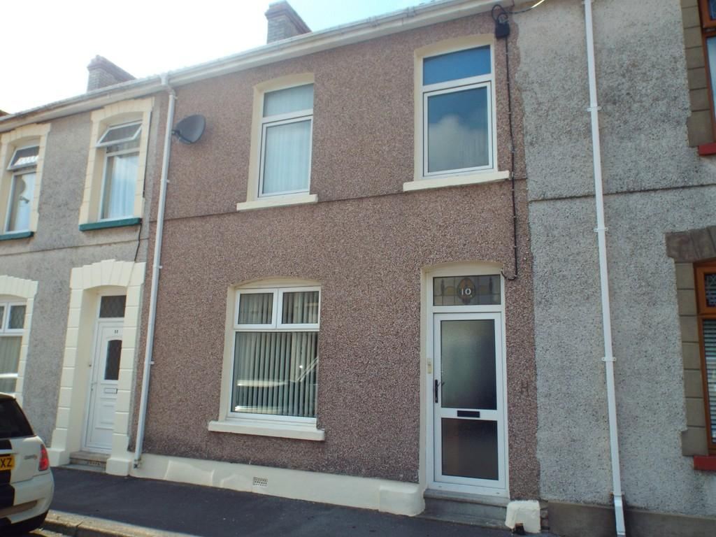3 Bedrooms Terraced House for sale in Woodlands Terrace, Cross Hands