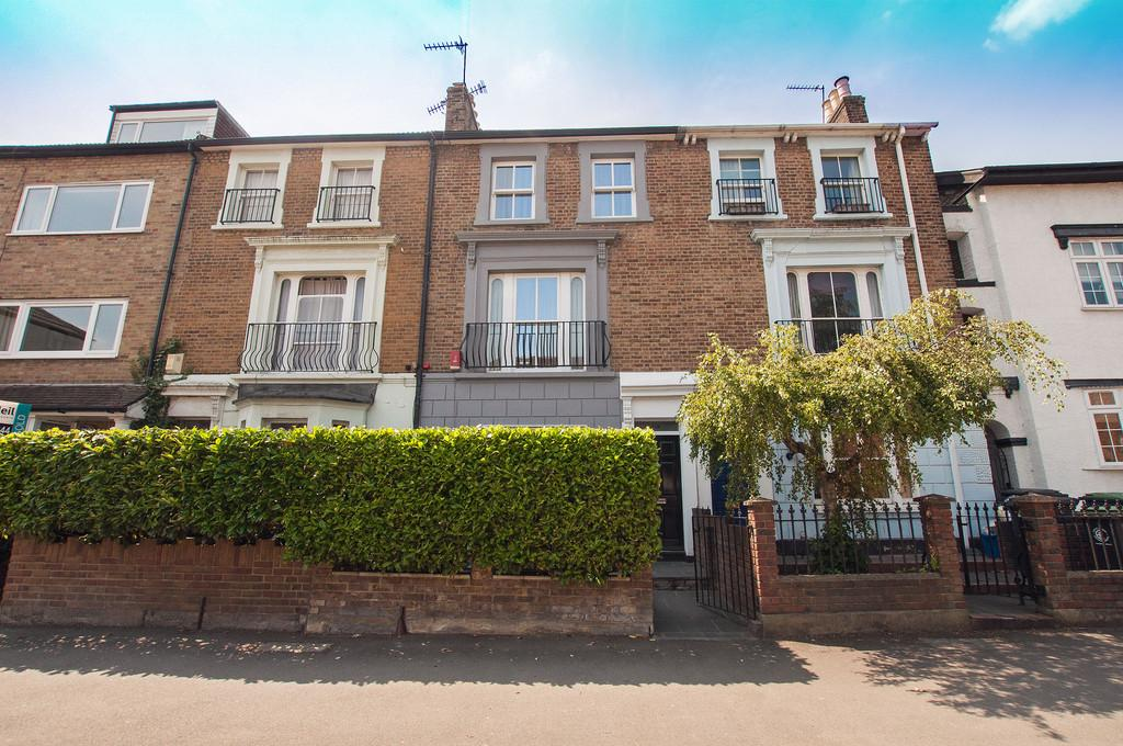 4 Bedrooms Town House for sale in Kings Avenue, Buckhurst Hill