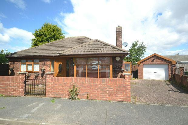 2 Bedrooms Detached Bungalow for sale in Midfield Place, Humberston, GRIMSBY