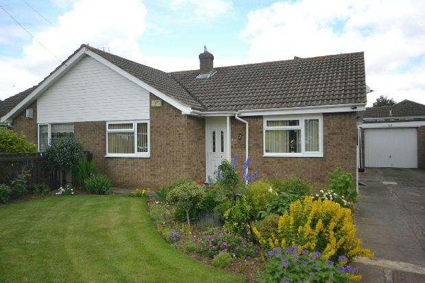 2 Bedrooms Semi Detached Bungalow for sale in Nelson Way, Grimsby