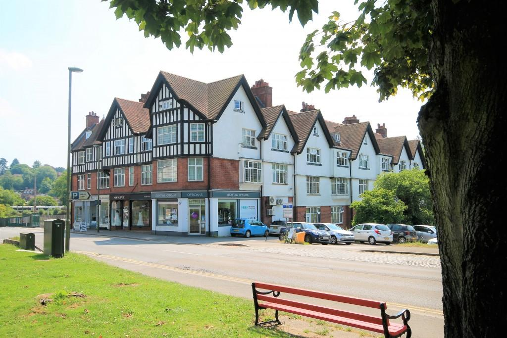 2 Bedrooms Apartment Flat for sale in Clay Hill House, Haslemere