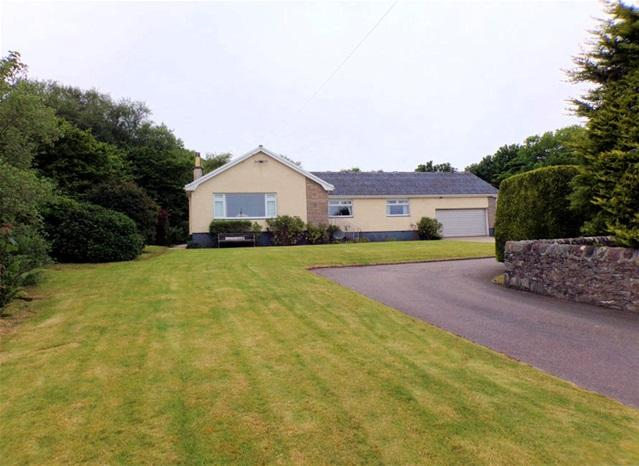 4 Bedrooms Detached Bungalow for sale in Peninver, By Campbeltown