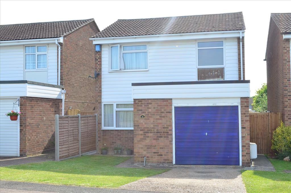 3 Bedrooms Detached House for sale in Eliot Road, ROYSTON, SG8