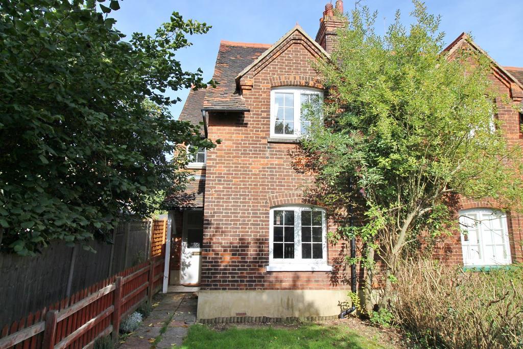 2 Bedrooms Cottage House for sale in Glebeland, Hatfield, AL10