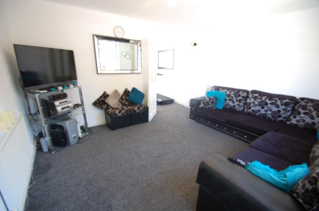 3 Bedrooms Semi Detached House for sale in Laburnum Road, Little Harwood, Blackburn