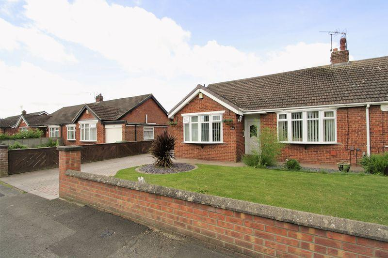 3 Bedrooms Semi Detached House for sale in Moulton Grove, Fairfield, Stockton, TS19 7RH