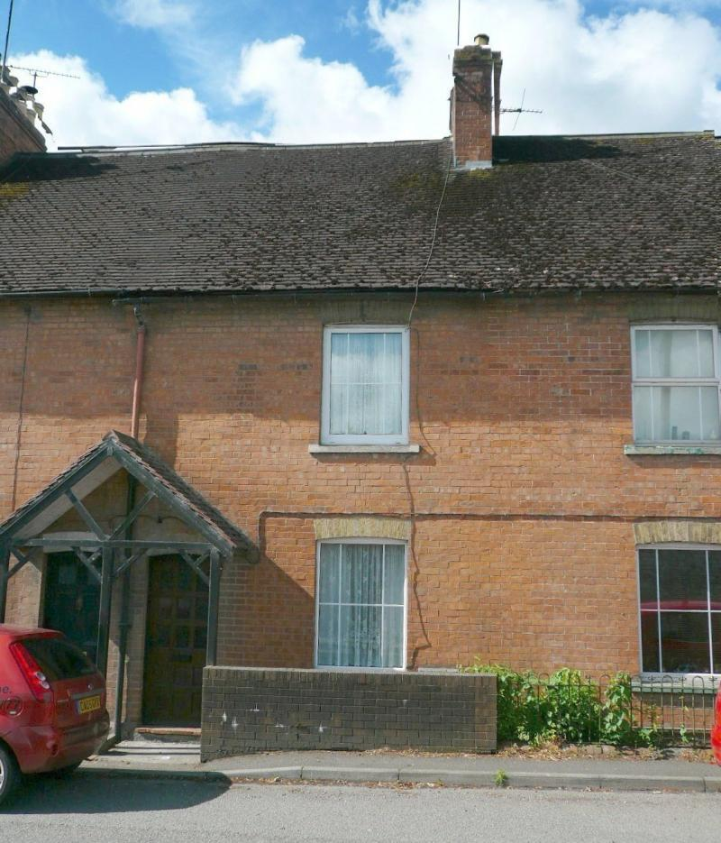 2 Bedrooms Cottage House for sale in Boreham Road, WARMINSTER, BA12