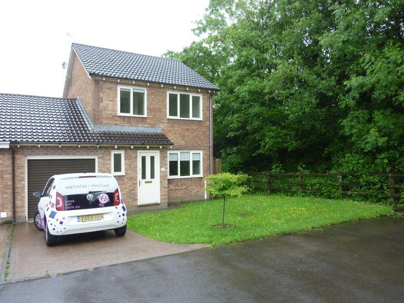 3 Bedrooms Detached House for sale in Stryd Silurian, Llanharry CF72 9GB