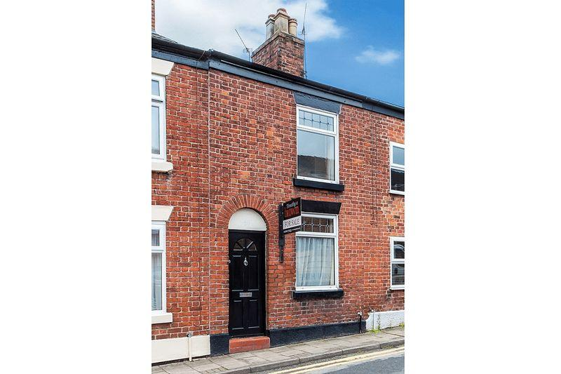 2 Bedrooms Terraced House for sale in Astbury Street, Congleton