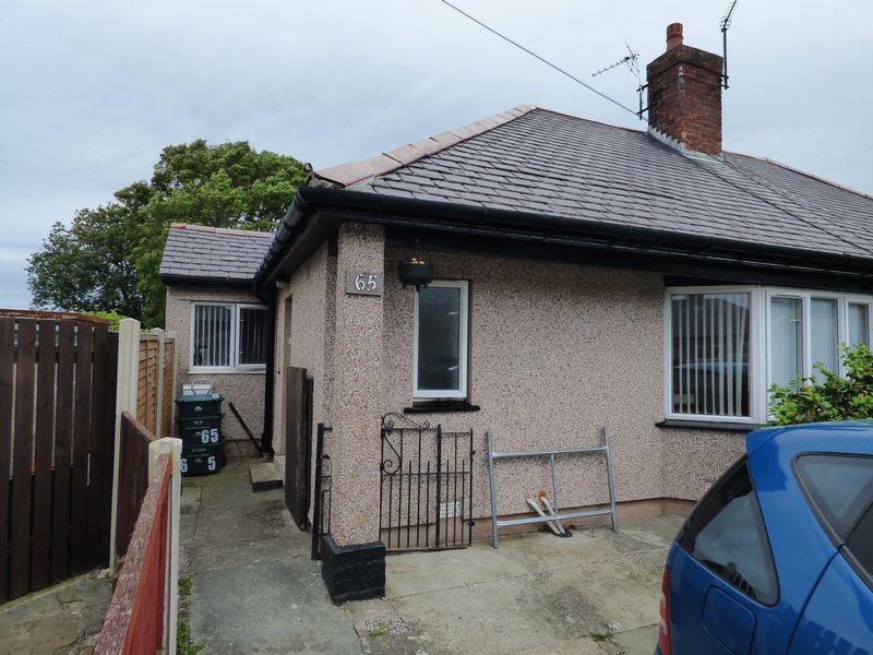 2 Bedrooms Semi Detached Bungalow for sale in 65 Groesffordd, Penmaenmawr LL34 6RN