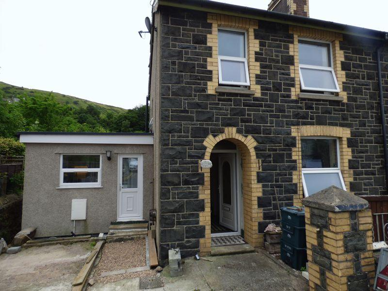 2 Bedrooms Semi Detached House for sale in Berwyn Villa, Valley Road, Llanfairfechan LL33 0SW