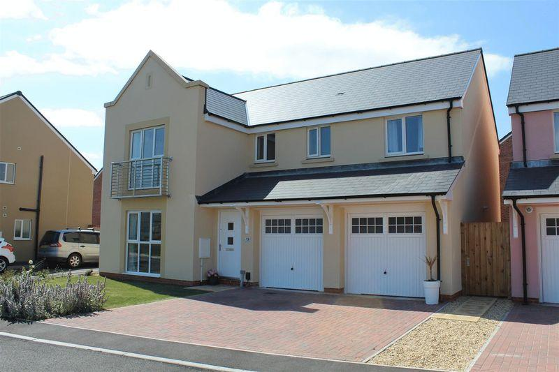 5 Bedrooms Detached House for sale in Wayfarer Close, Weston-Super-Mare