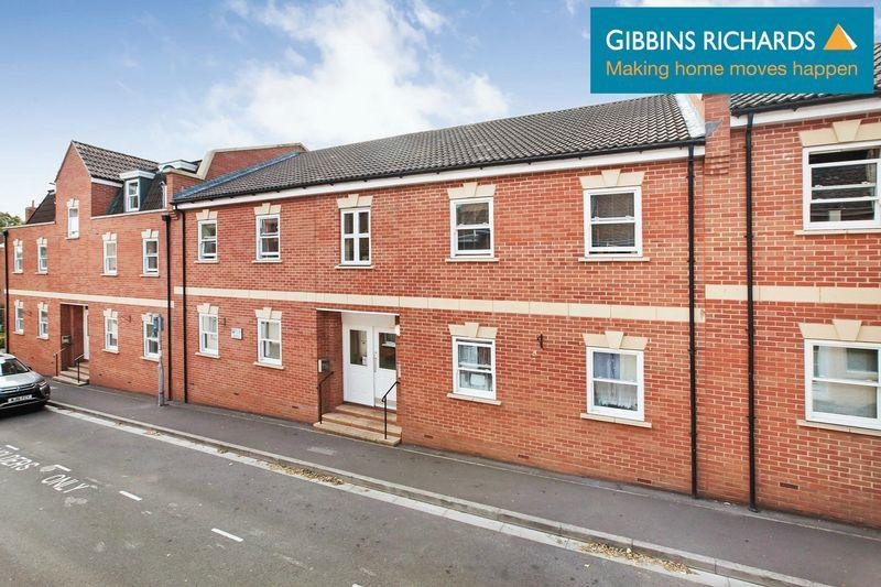 2 Bedrooms Flat for sale in Silver Street, Bridgwater