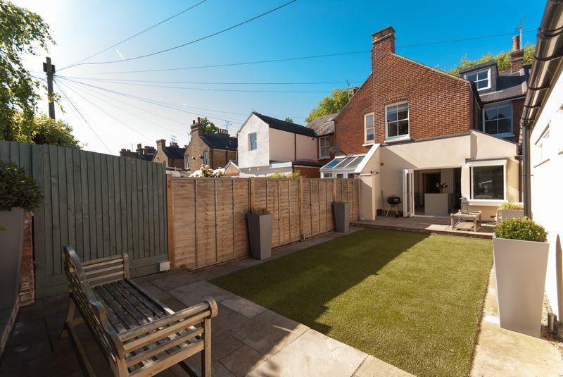 4 Bedrooms Terraced House for sale in Pound Lane, Canterbury