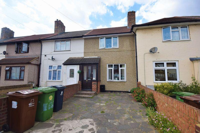 2 Bedrooms Terraced House for sale in Armstaed Walk, Dagenham