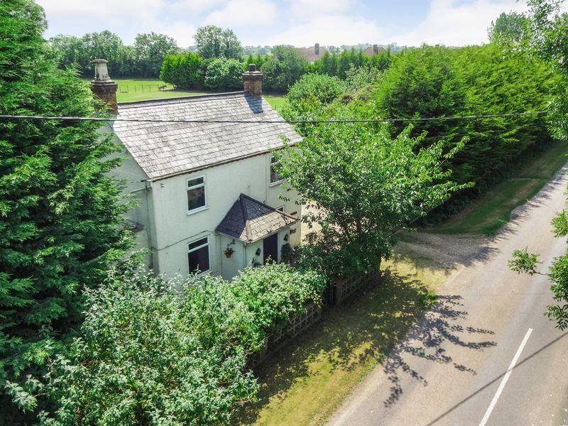 3 Bedrooms Detached House for sale in Astwood Road, Cranfield
