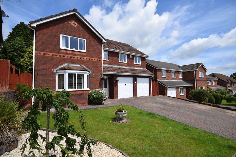 4 Bedrooms Detached House for sale in Beechwood Grove, Bridgend