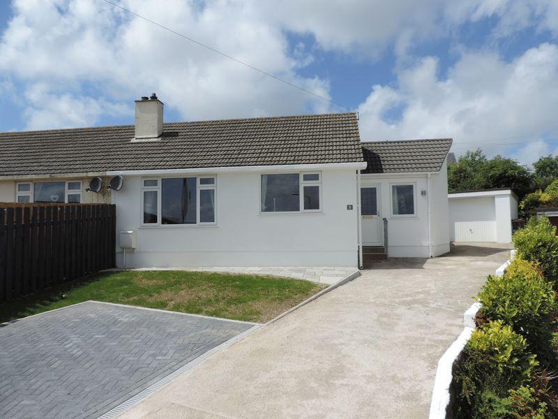 3 Bedrooms Semi Detached Bungalow for sale in Kerley Grove, Truro