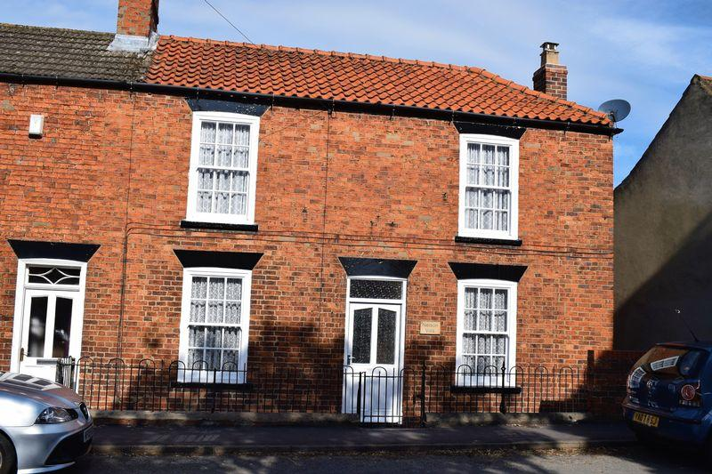 3 Bedrooms Semi Detached House for sale in South Cliff Road, Kirton Lindsey