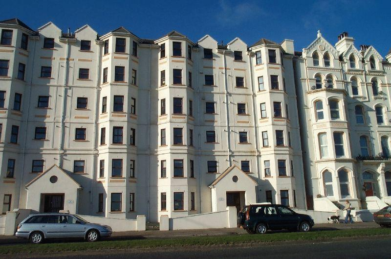 2 Bedrooms Apartment Flat for sale in Mooragh Promenade, Ramsey