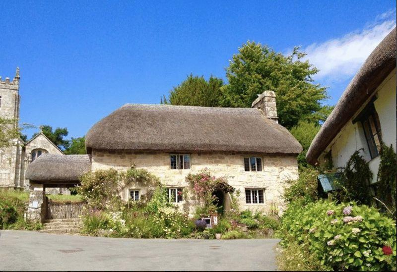 3 Bedrooms Detached House for sale in The Church House, Throwleigh