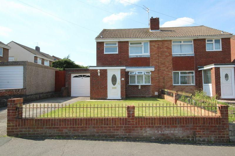 3 Bedrooms Semi Detached House for sale in Stockwood Road, Stockwood