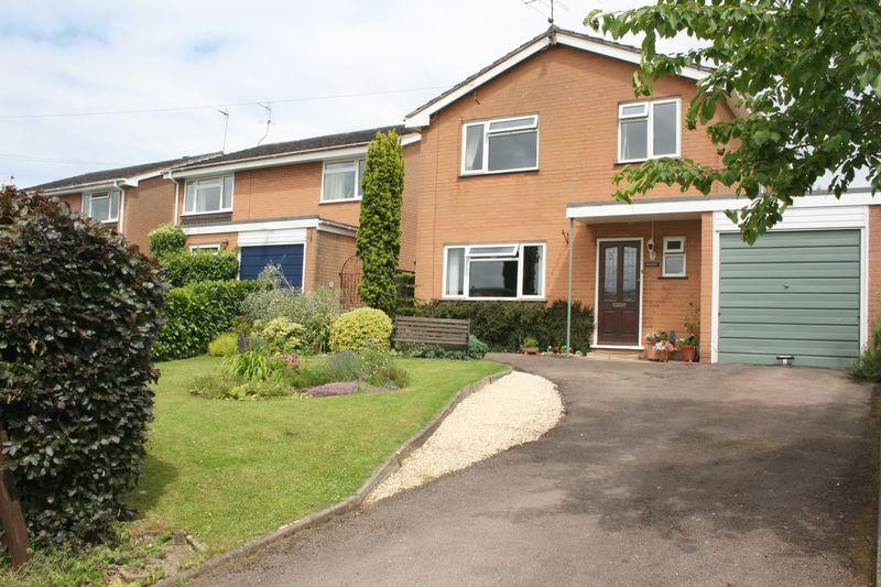 4 Bedrooms Detached House for sale in Manor Road, Eckington