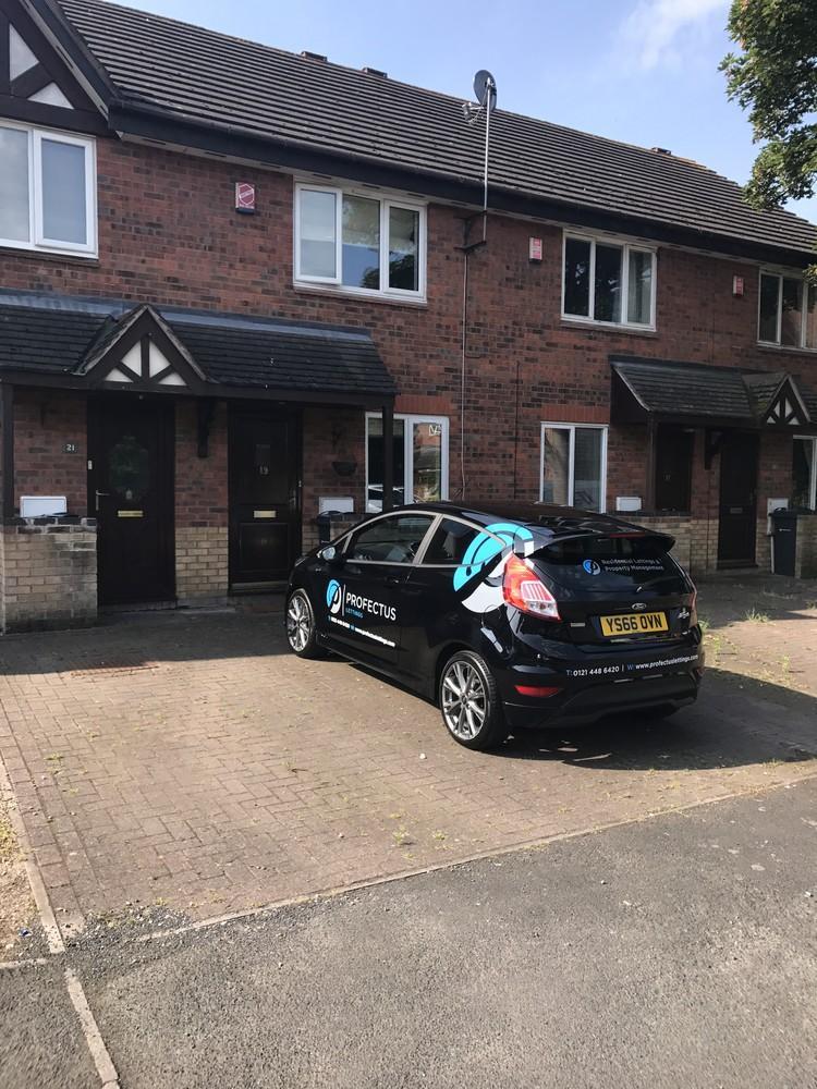 2 Bedrooms Terraced House for sale in Hawthorn close, Erdington