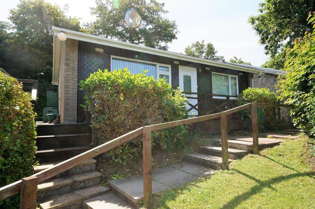 2 Bedrooms Chalet House for sale in Lenwood Road, Northam, Bideford