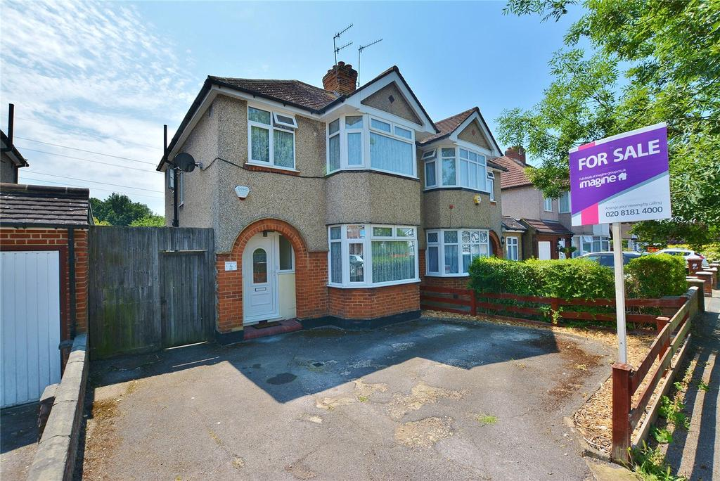 3 Bedrooms Semi Detached House for sale in Park Avenue, Bushey, Hertfordshire, WD23