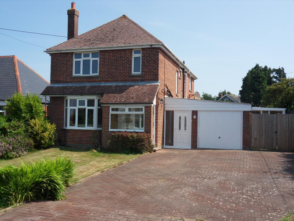 4 Bedrooms Detached House for sale in Wyatts Lane, Northwood