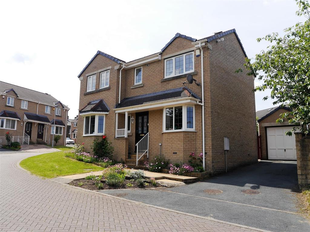 3 Bedrooms Detached House for sale in Lynch Avenue, Great Horton, Bradford, BD7 4RZ