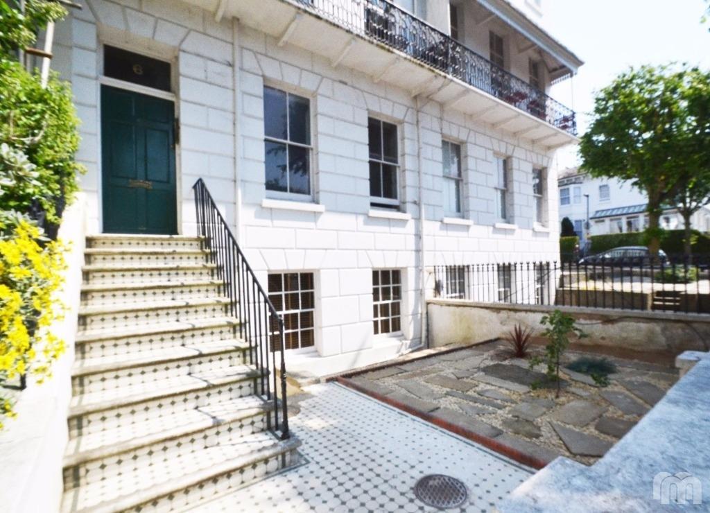 2 Bedrooms Flat for rent in Montpelier Terrace Brighton East Sussex BN1
