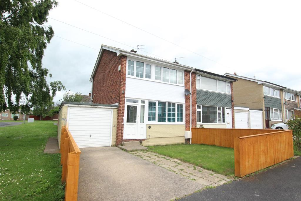 3 Bedrooms Semi Detached House for sale in Huntershaw Way, Darlington