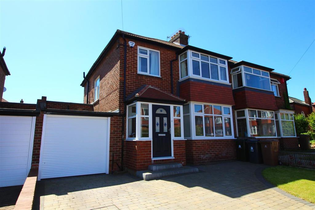 3 Bedrooms Semi Detached House for sale in Millfield Gardens, Tynemouth