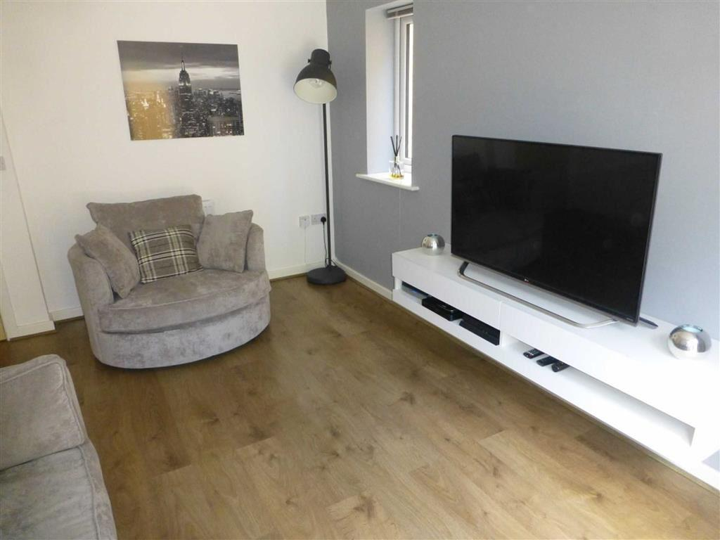 2 Bedrooms End Of Terrace House for sale in Celtic Road, Summerhill, Wrexham