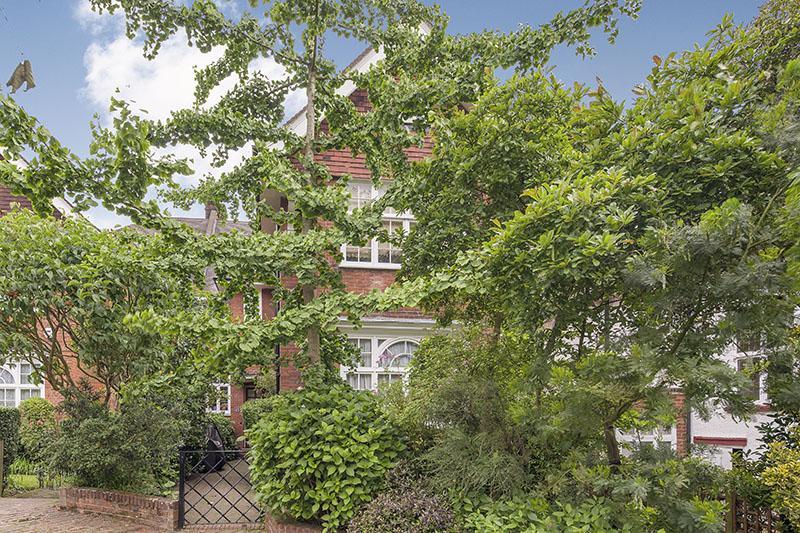 5 Bedrooms Semi Detached House for sale in BELSIZE LANE, BELSIZE VILLAGE, LONDON NW3