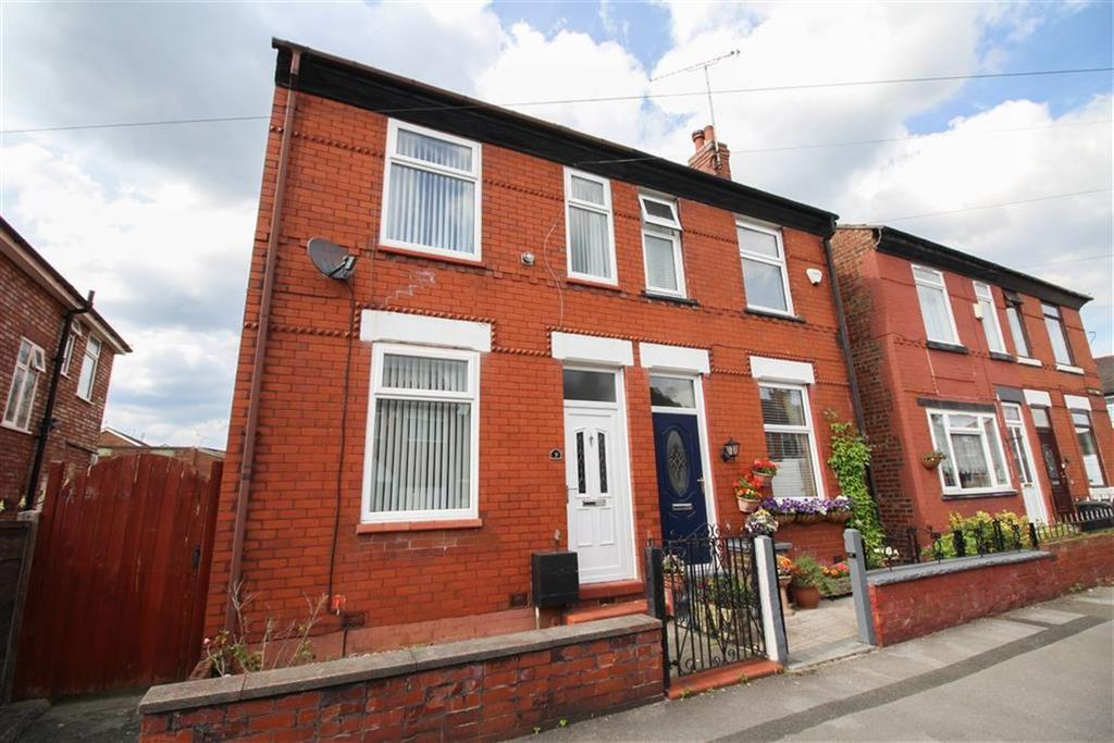 3 Bedrooms Semi Detached House for sale in Woodhall Road, South Reddish, Stockport