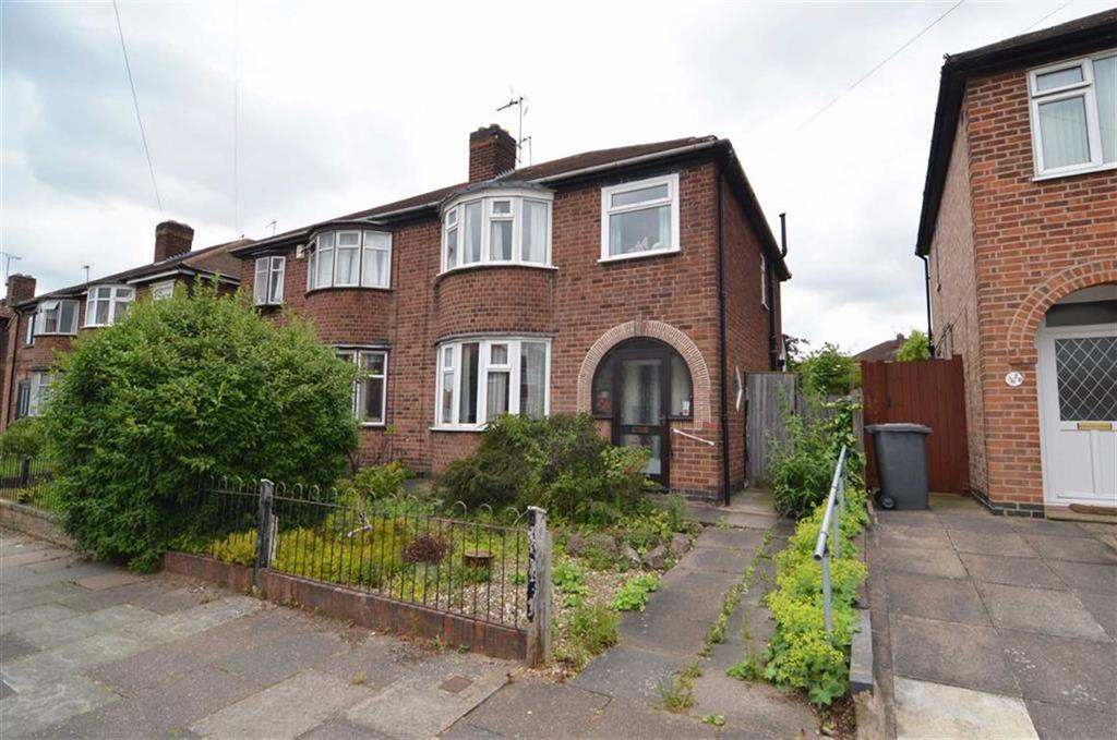 3 Bedrooms Semi Detached House for sale in Deancourt Road, West knighton