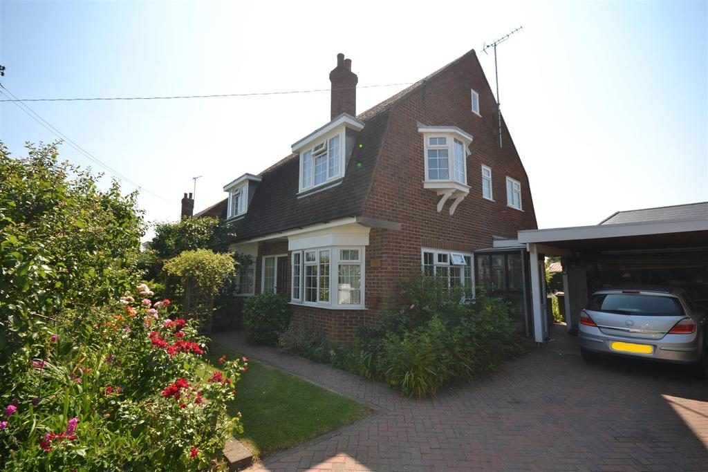 4 Bedrooms House for sale in Pertwee Drive, South Woodham Ferrers, Chelmsford