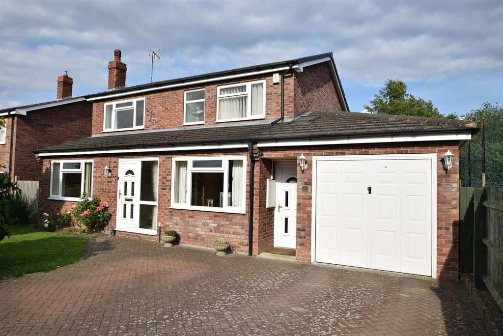 4 Bedrooms Detached House for sale in 17 Pine Crescent, Minsterley, Shrewsbury, SY5 0AY