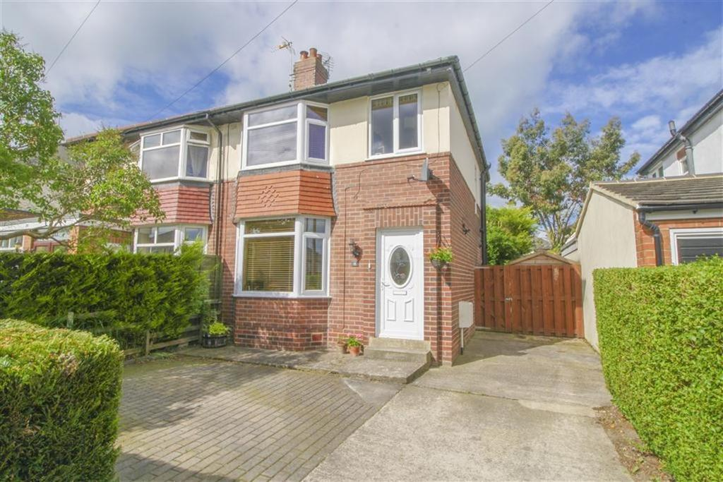 3 Bedrooms Semi Detached House for sale in Harlow Park Road, Harrogate, North Yorkshire