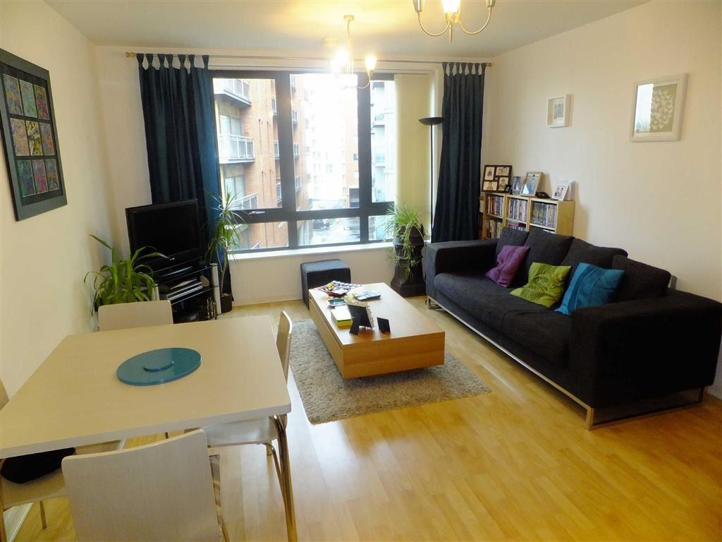 2 Bedrooms Flat for sale in City South, 39 City Road East, Manchester
