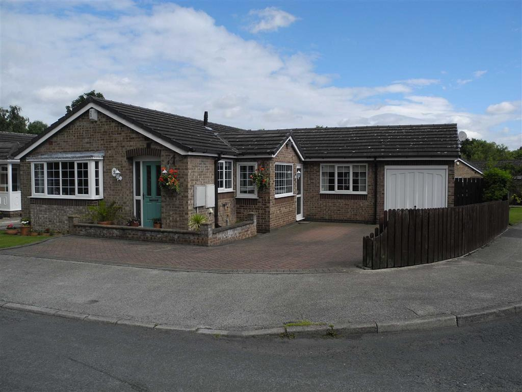 2 Bedrooms Detached Bungalow for sale in Parkhead Close, Royston, Barnsley, S71