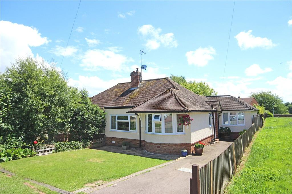 2 Bedrooms Semi Detached Bungalow for sale in Cavendish Road, Markyate, St Albans