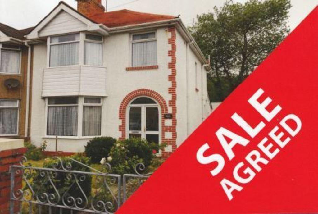 3 Bedrooms Semi Detached House for sale in WOODLAND AVENUE, PORTHCAWL, CF36 5HY